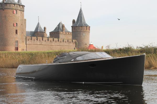AdmiralsTender Sport 890