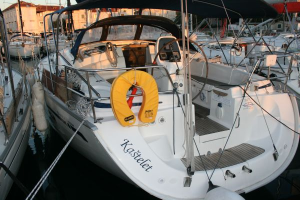 Bavaria 39 Cruiser Port Stern