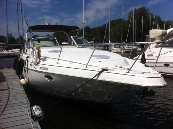 Cruisers Yachts 3575