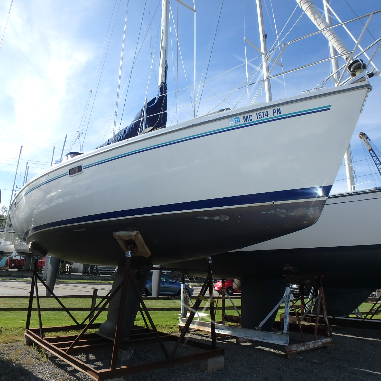 Catalina 320 Starboard side