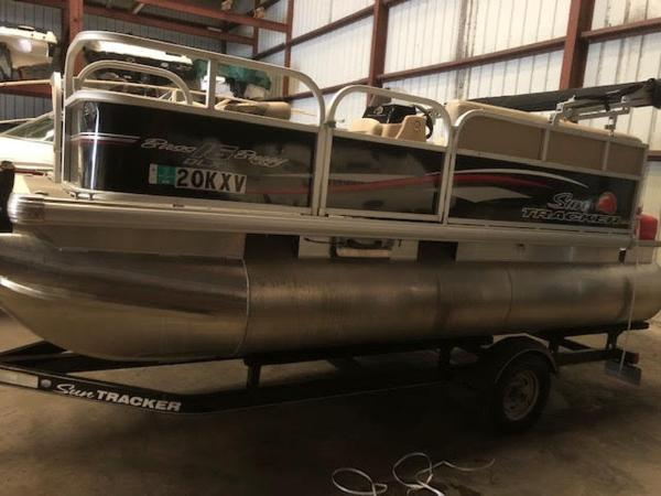 Sun Tracker 16' BASS BUGGY 2016
