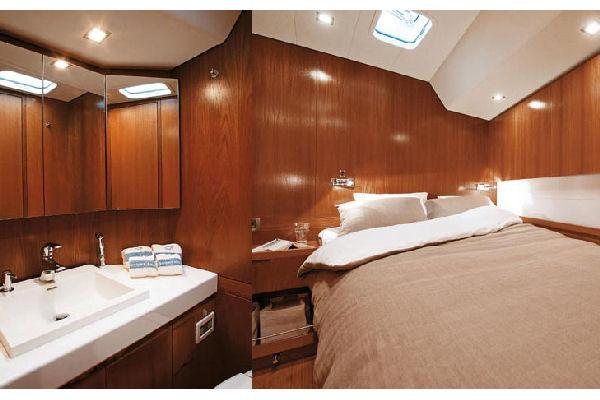 Nautor Swan 66 FD Guest Cabin