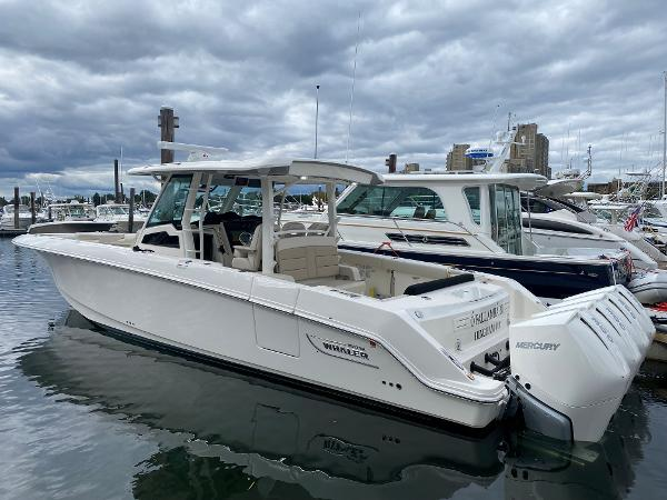 Boston Whaler 380 Outrage
