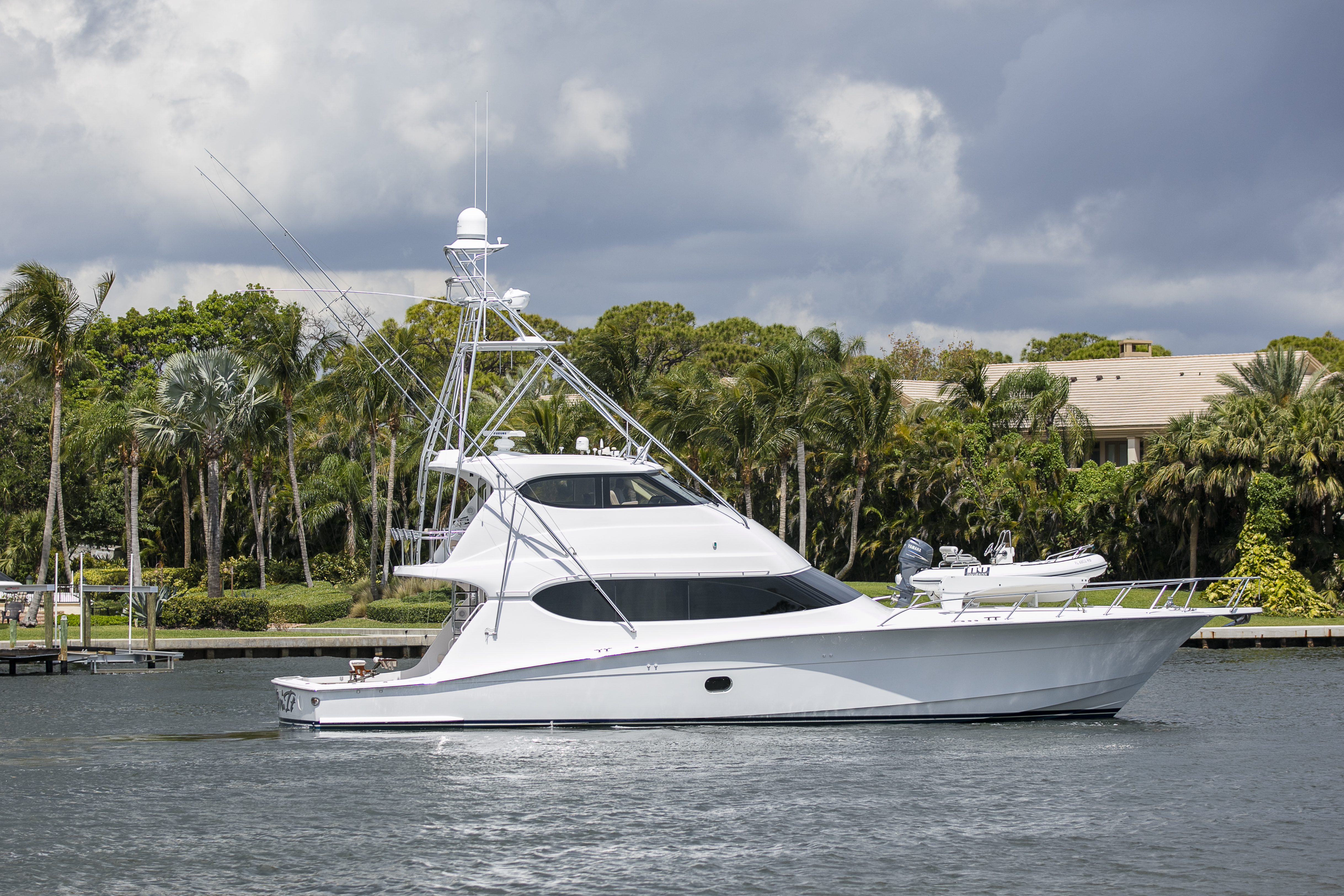 Hatteras 68 Enclosed Flybridge Convertible Hatteras - Profile