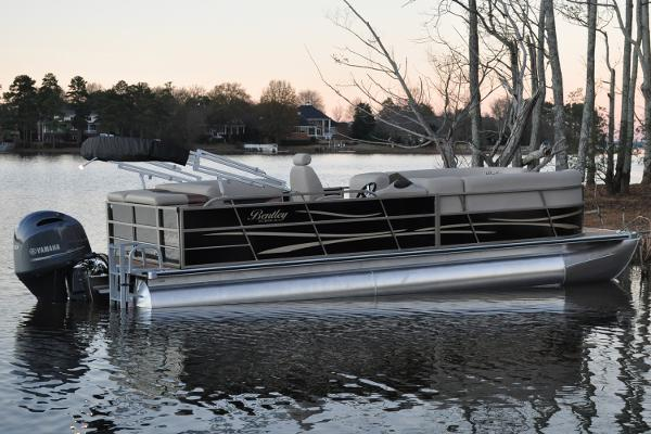 Bentley Pontoons 240 CRUISE Manufacturer Provided Image