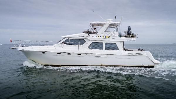 Navigator 53 pilothouse  Port Profile