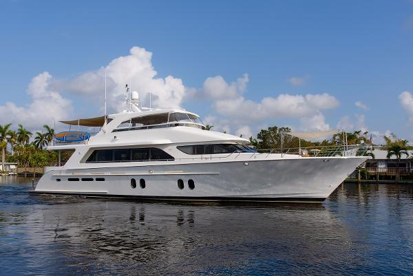 Cheoy Lee Motoryacht Profile