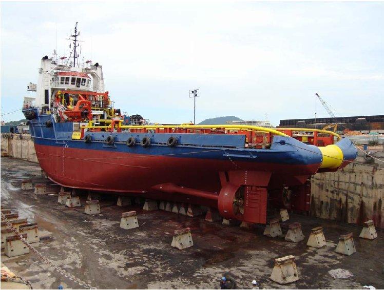 Custom AHTS Tug