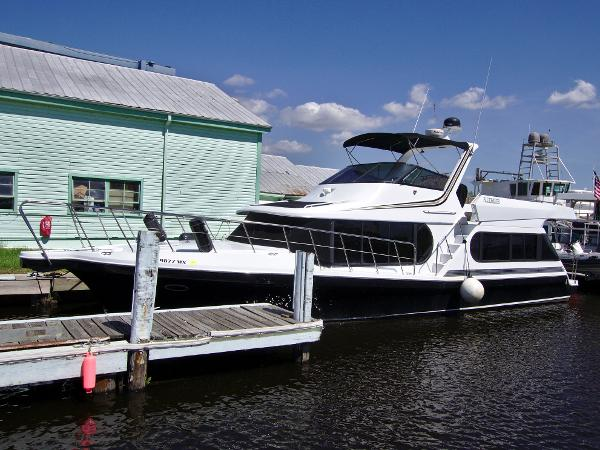 Bluewater Yachts 46 Coastal Cruiser
