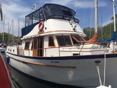 CHB 40 Sundeck trawler