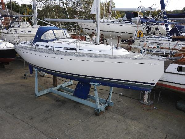 Dufour 36 Classic Dufour 36 Classic - WHITE KNIGHT