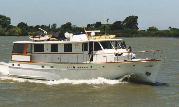 Stephens  Trumpy-houseboat-style motoryacht Ranger under way