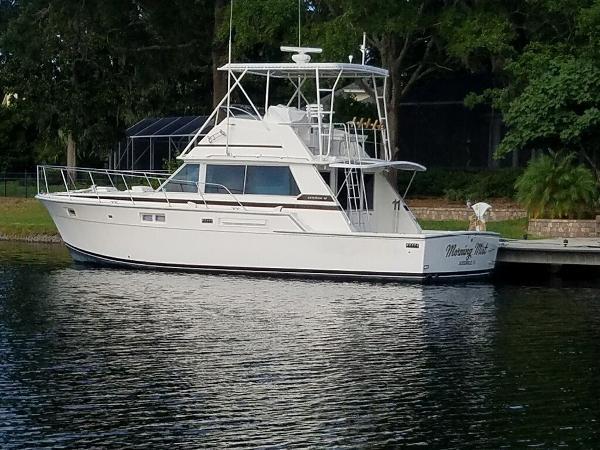 Bertram 42 Flybridge Motor Yacht Profile