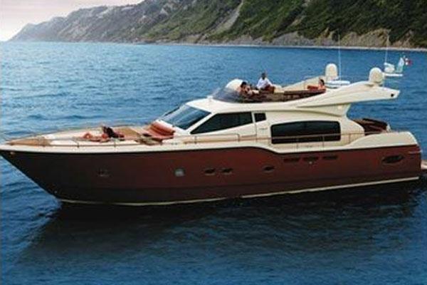 Ferretti Yachts Altura 690 Ferretti Altura 690 Brochure photo