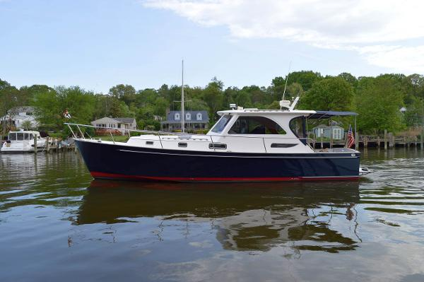Legacy Yachts 40 Sport Express 40 Legacy Profile 3