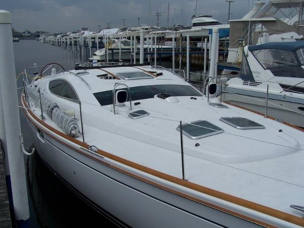 Jeanneau Sun Odyssey 49 DS Dockside