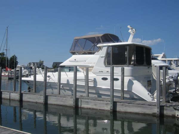 "Sea Ray 420 Aft Cabin ""BOW THRUSTER!"" At Dock"