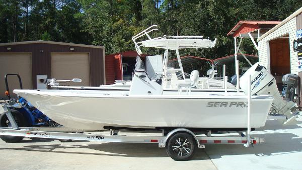 Sea-pro 208 BAY BOAT