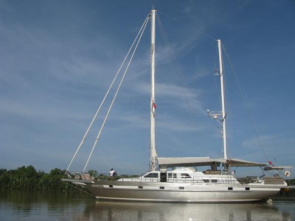 Sailboat Aluminum 22m