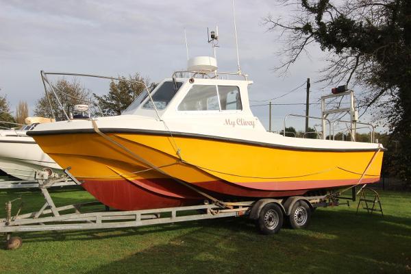 Offshore 25 Custom Dive Boat
