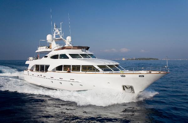 Benetti Tradition  100 Exterior