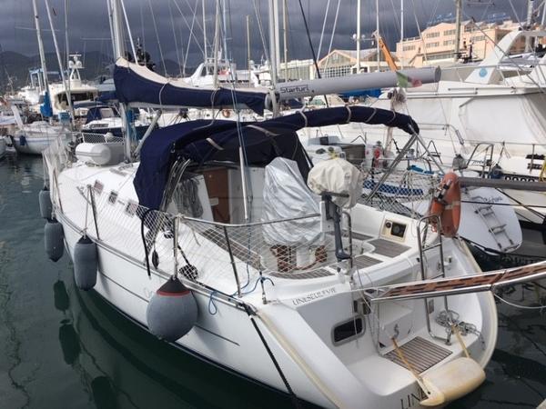 Beneteau Oceanis Clipper 323 BENETEAU - OCEANIS 323 - exteriors