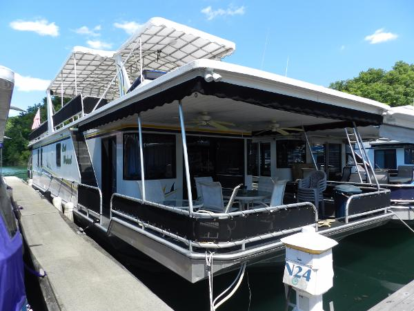 Sunstar 16' x 73' Houseboat