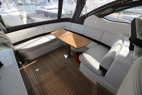 Princess V39 Aft Cockpit Seating