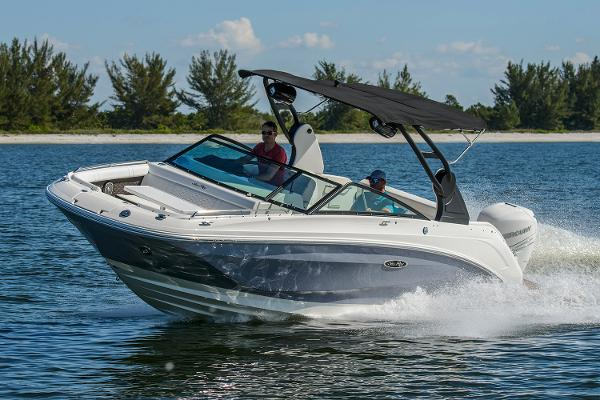 Sea Ray SDX 250 Outboard Manufacturer Provided Image