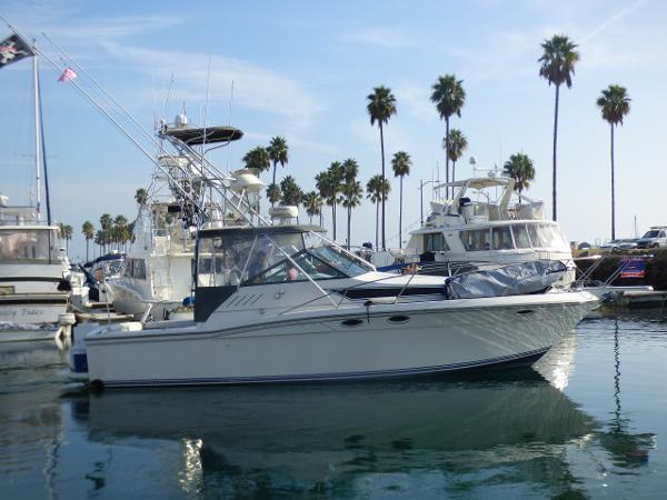Wellcraft 330 Coastal Starboard Profile