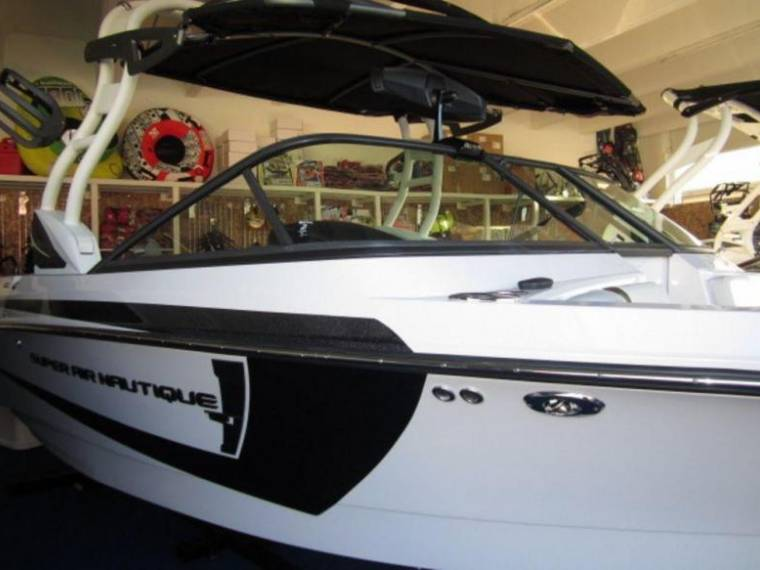 Correct Craft Nautique Correct Craft Super Air 210