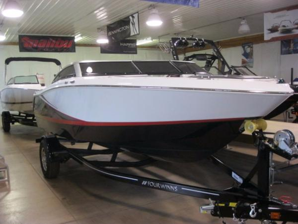 Four Winns H190 SS Boat