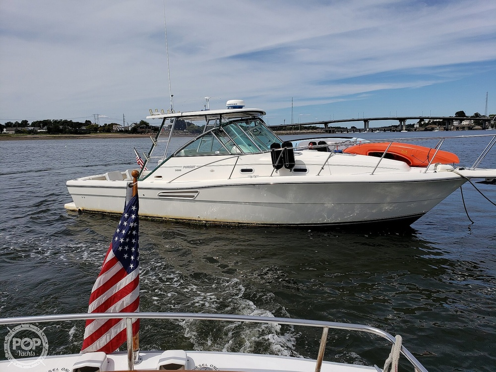 Pursuit 3000 Express 2001 Pursuit 3000 Express for sale in Beverly, MA