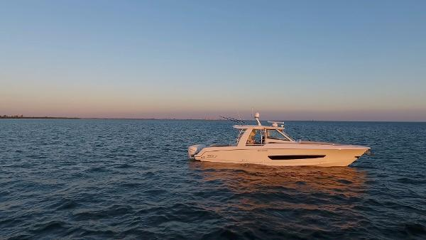 Boston Whaler 42 OUTRAGE