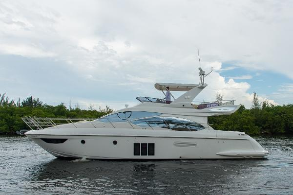 Azimut 53 Flybridge Port Profile