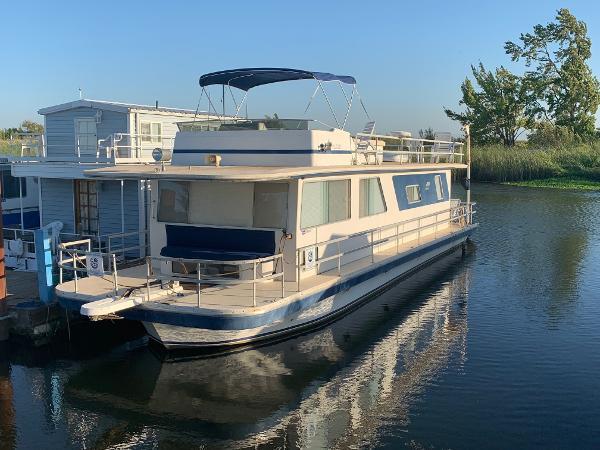Gibson Executive Houseboat
