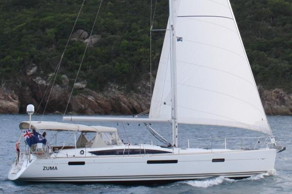 Jeanneau 53 Under sail!