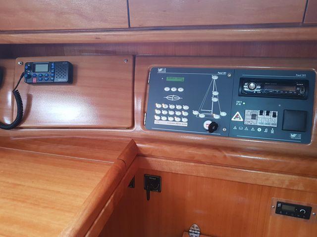 Bavaria 34 navigation panel