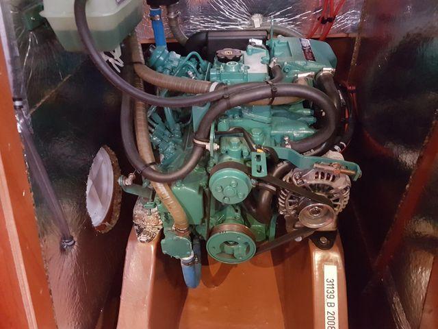 Bavaria 34 engine