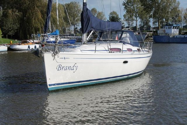 Bavaria 34 front view
