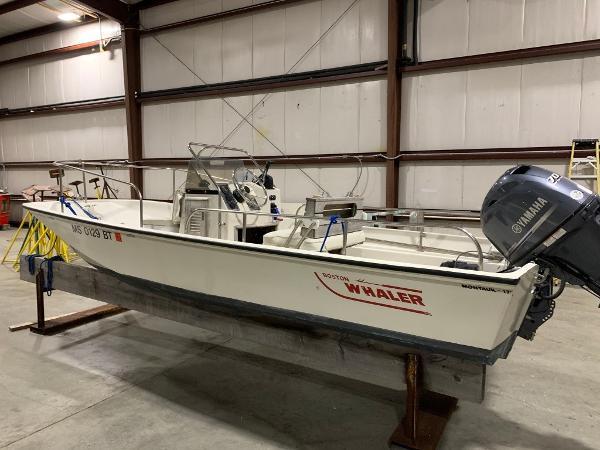 Boston Whaler 17 Montauk