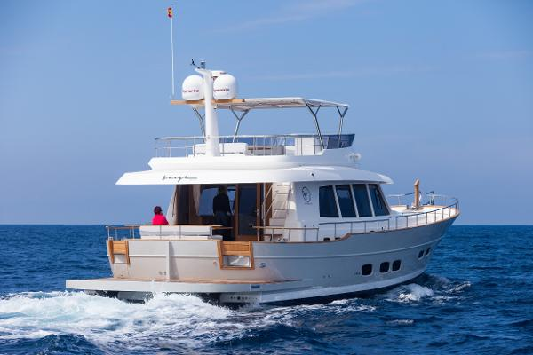 Sasga Yachts Menorquin 68 Flybridge Traditional lines