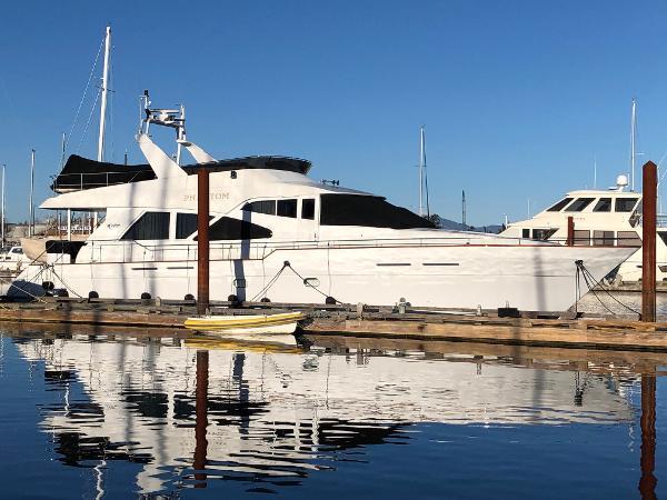 Queenship 70 Pilothouse Motoryacht