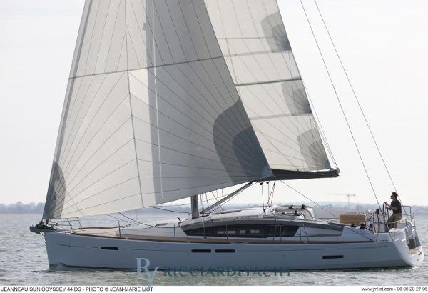 Jeanneau Sun Odyssey 44 DS boat-44DS_exterieur_20110927140454
