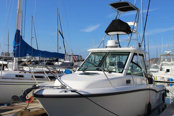 Boston Whaler 285 Conquest Port profile