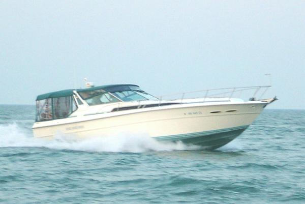 Sea Ray 390 Express - FRESHWATER ONLY