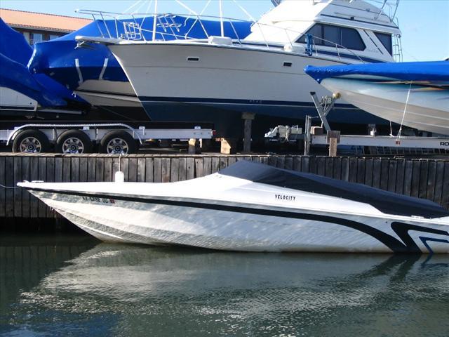 Velocity Powerboats 260 Velocity
