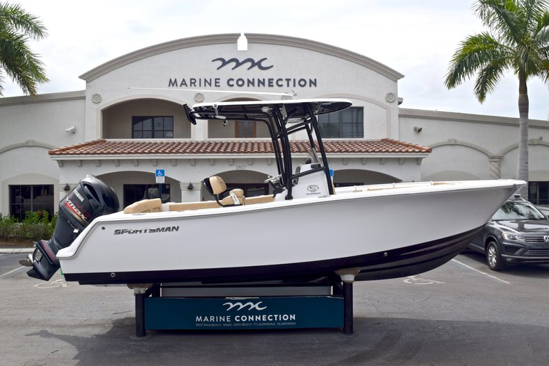 Sportsman Heritage 231 Center Console