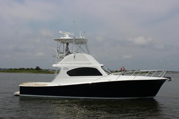 Ocean Yachts 37 Billfish Profile