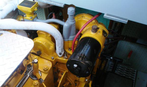 aft 2 cylinder engine